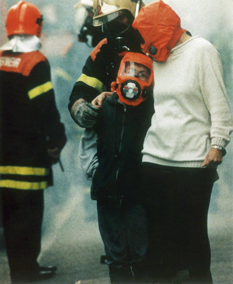 The PARAT-C enables fire fighters to assist in rescuing victims without the need to share the air inside the tanks of their self contained breathing apparatus with victims trapped inside buildings.