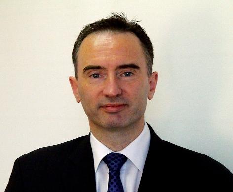 Mr Colin Arnott