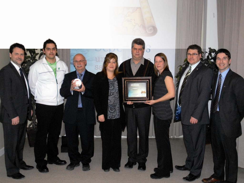 From left to right: Gino Lvesque, Alain Labrie, Denis Pelletier, Cindy Par, Linda Thriault, Jean-Philippe Landry, Louis Gravel, Gilles Desgagns